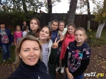 Добровольцы и их куратор Есяковва Т.Ю.